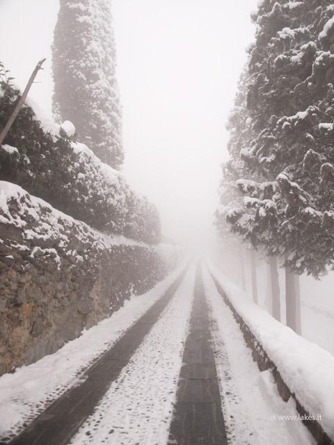Sacra di San Michele, neve e nebbia.