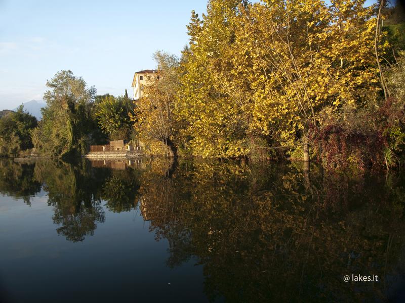 Passerella su Lago – Vista del Santuario