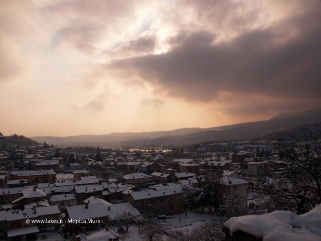 Neve nel Centro di Avigliana. Inverno 2012