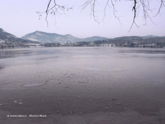 Lago Grande di Avigliana. Gelo, Inverno 2012