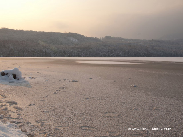 lago Piccolo, gelo e neve, inverno 2012